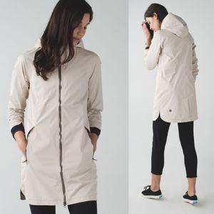Lululemon definitely raining jacket size 4